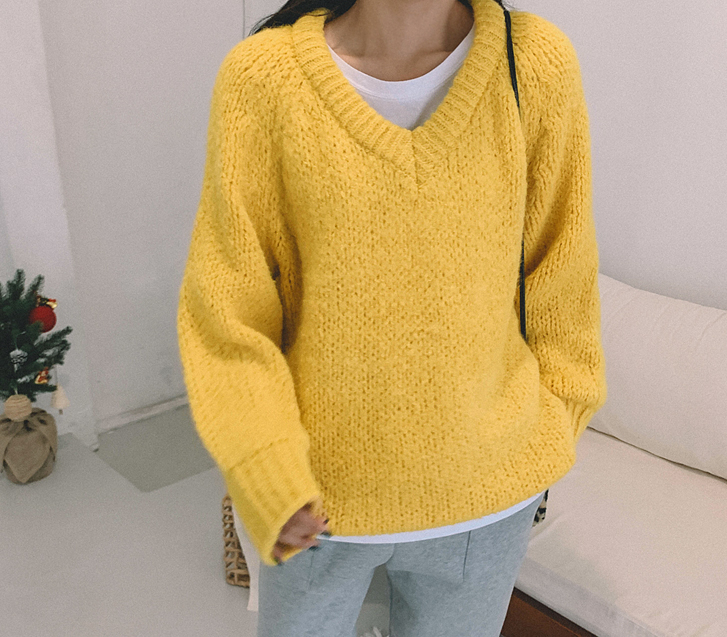 Rain Alphar V Neck Knit